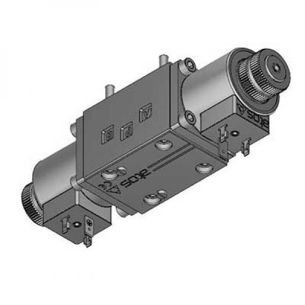 Hyd Monoblock Valve 2 Bank 1/4 BSP 20 l/m D/A Cylinder Spool, 12V DC Solenoid Cn